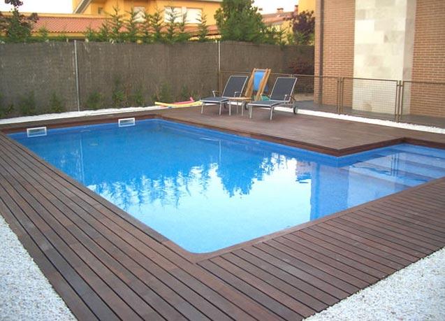 Instalaci n de madera tropical y tarima natur jardin - Tarima para piscinas ...